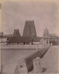 View from the back of the Sarangapani Temple looking towards the Kumbheshvara Temple, Kumbakonam